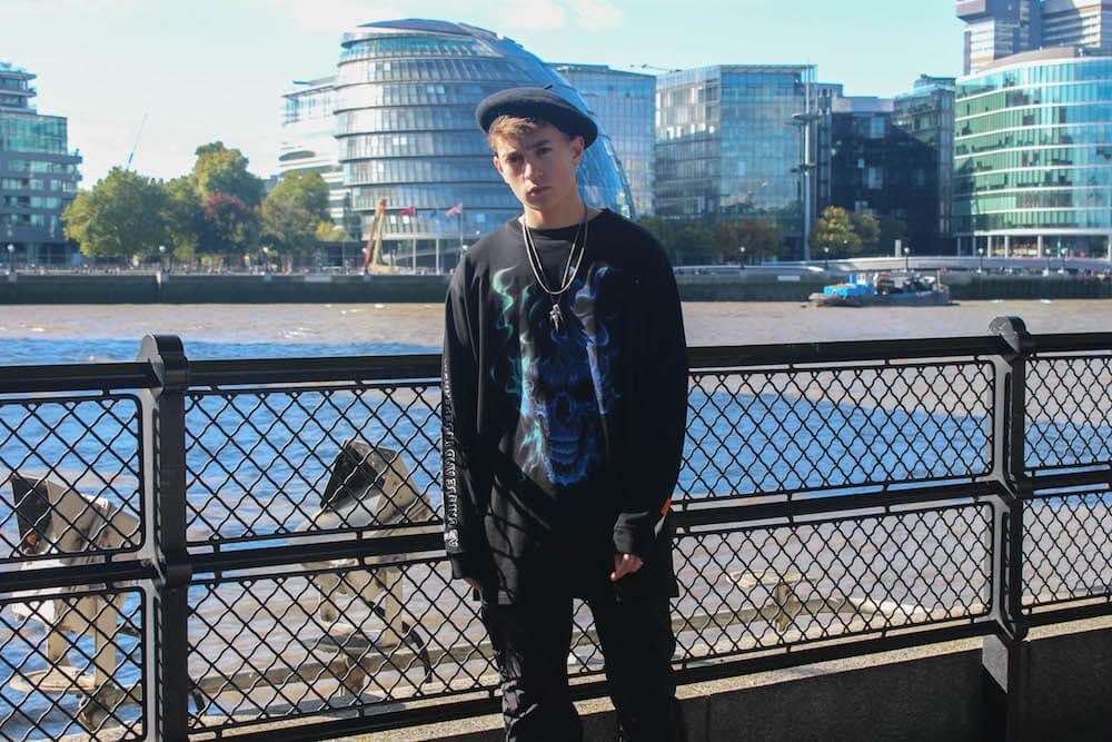 שלו מימוני מעל נהר התמזה בלונדון. צילום: יערה ליברמן־כליף