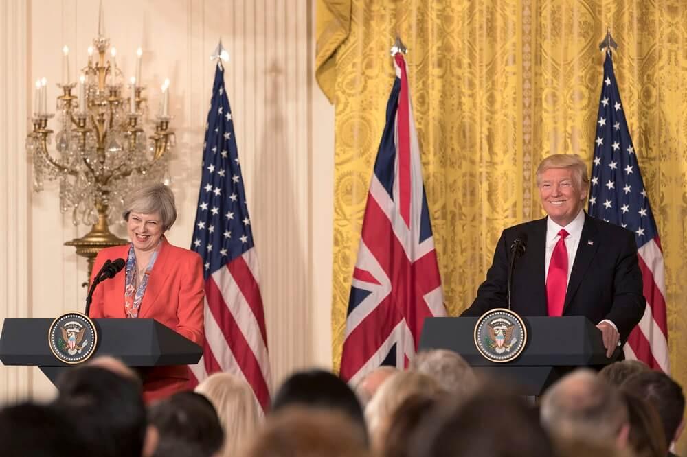 ראשת ממשלת בריטניה תרזה מיי עם טראמפ