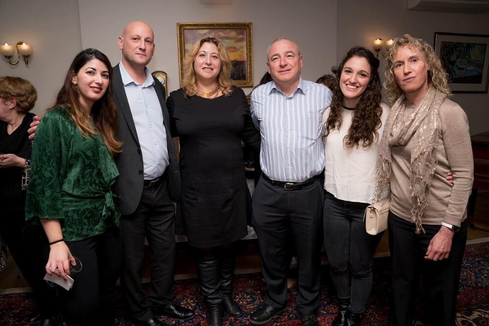 שובל מרידך מנהלת הבית הישראלי בלונדון באירוע חנוכה לקהילה הישראלית בלונדון