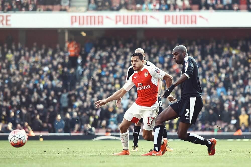 אלכסיס סאנצ'ס חתם במנצ'סטר יונייטד כדורגל לונדון אנגליה