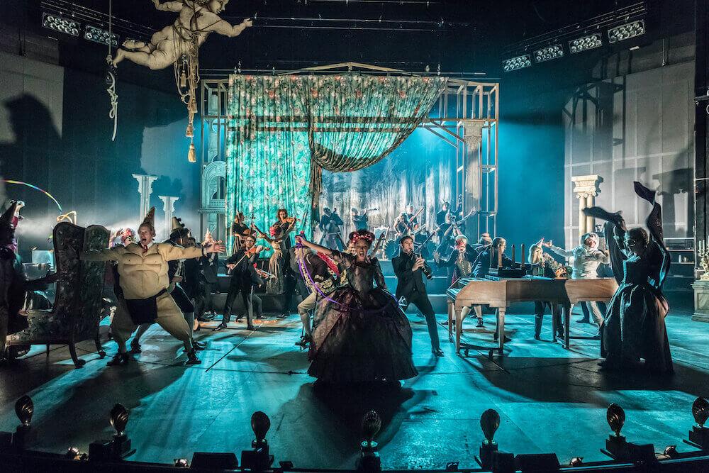 הצגות בלונדון המחזה אמדאוס התיאטרון הלאומי הבריטי