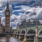 """עליות, ירידות ונתונים סותרים. מה קורה בשוק הנדל""""ן בלונדון?"""