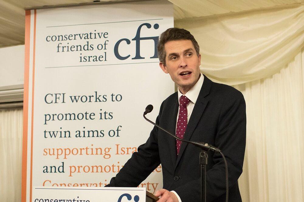 שר ההגנה הבריטי גווין וויליאמסון באירוע של ידידי ישראל במפלגה השמרנית - לונדון