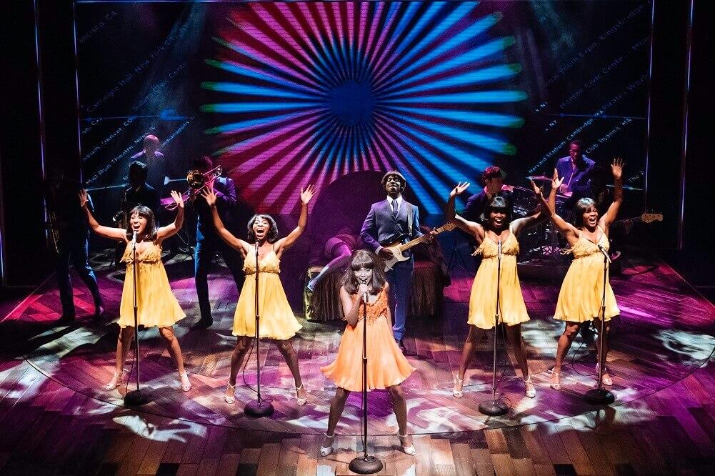"""מה לעשות בלונדון בסוף השבוע: חפשו את טינה טרנר בקהל. אדריאן וורן ב""""טינה"""". צילום: Manuel Harlan"""