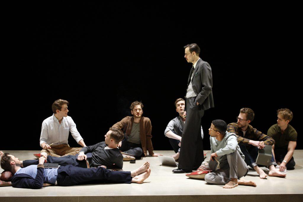 הצגות בלונדון תיאטרון בריטי, לונדון - ראיון עם יוברט ברטון, מתוך הירושה