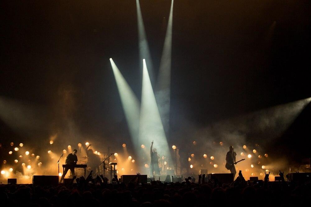 """מה לעשות בלונדון בחודש יוני - הופעות ב""""מלטדאון"""" של רוברט סמית"""
