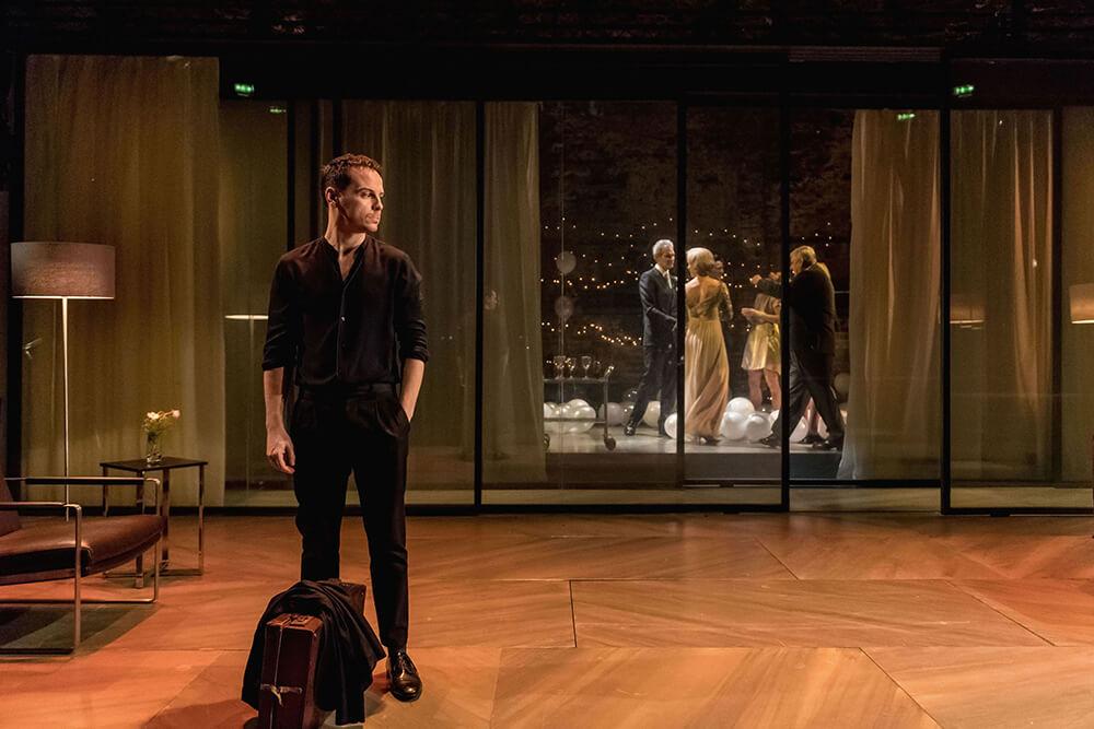"""הצגות בלונדון - סי וול עם אנדרו סקוט - מה לעשות בלונדון """"המלט"""" בתיאטרון אלמיידה."""