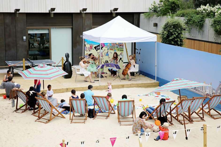 חוף אורבני בלונדון - המפסטד במרכז היהודי JW3 לקהילה הישראלית בלונדון