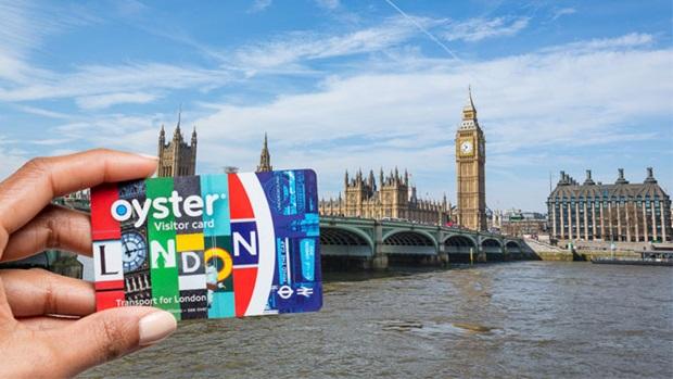 תחבורה ציבורית בלונדון קונטקטלס ויסיטור אויסטר קארד תשלום סמארטפון טלפון נייד טראוולקארד טראוולכארד נסיעות בטיוב