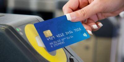 כרטיס אשראי קונטקטלס תחבורה ציבורית בלונדון אויסטר טראוולקארד טראוולכארד נסיעות בטיוב