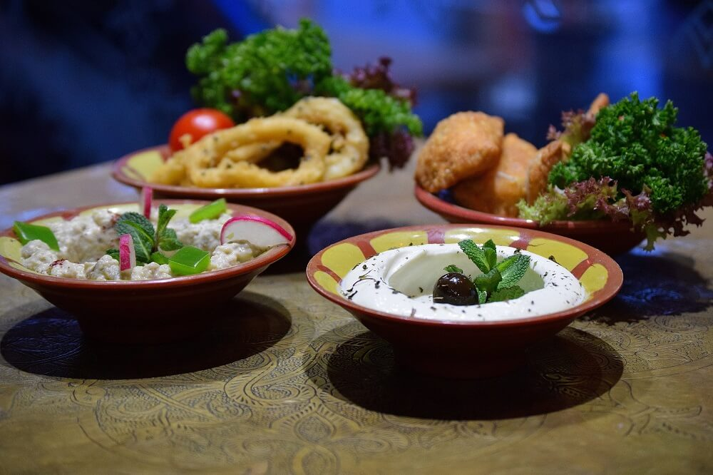 מסעדה לבנונית בלונדון - לזיז טאפאס - חומוס, סלטים, קפה טורקי