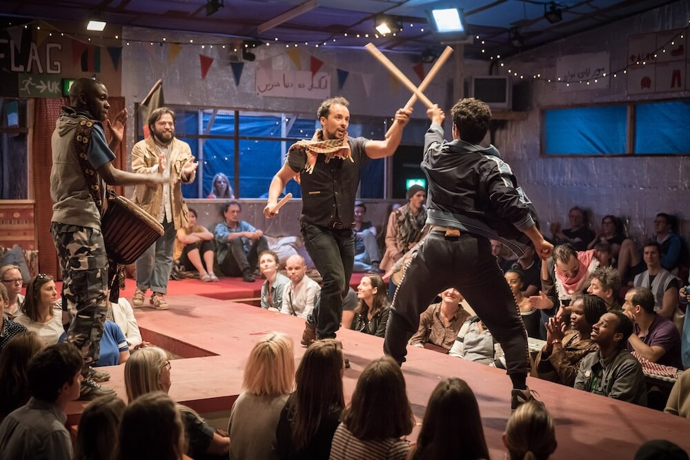 הצגה בלונדון - שפכו הרבה כסף כדי להעלות את המחזה הזה. מתוך הג׳ונגל.