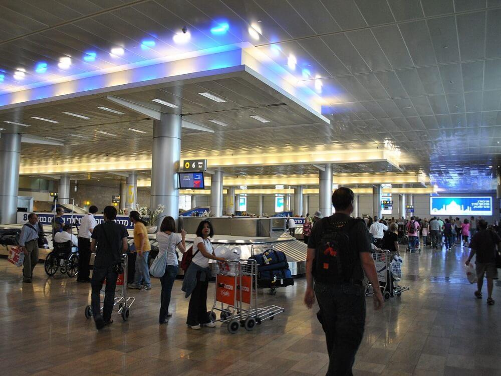"""תשאול אישי ארוך וחיפוש במזוודות על ידי אנשי ביטחון בכניסה וביציאה מישראל נתב""""ג נמל התעופה בן גוריון"""