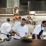 """המסעדה החדשה של אסף גרניט בלונדון: ביקורת על """"קואל אופיס"""""""
