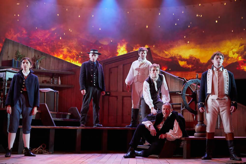 הצגה בלונדון, ביקורת על דה ווידר ארת׳, מחזה על צ׳ארלס דרווין
