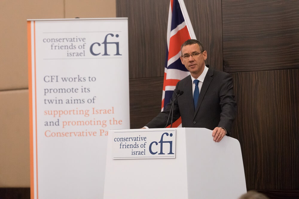 שגריר ישראל בבריטניה מארק רגב באירוע בלונדון של ידידי ישראל במפלגה השמרנית