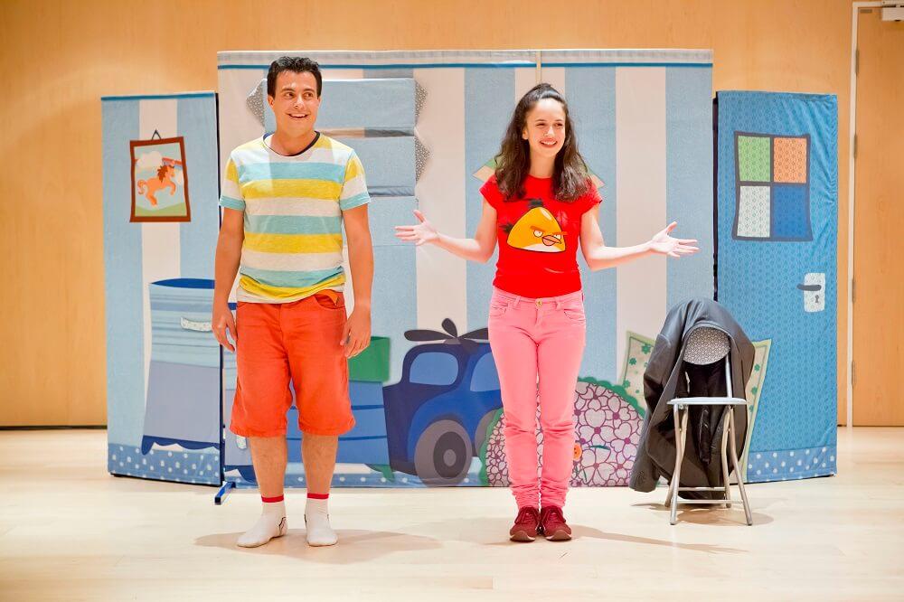 הנעליים של אדון סימון, תיאטרון אורנה פורת בלונדון, הצגה ישראלית בלונדון