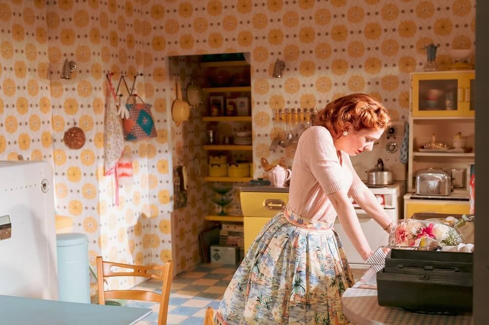 """מה לעשות בלונדון במרץ 2019 - הצגה תיאטרון """"הום, איים דרלינג"""" קתרין פרקינסון"""