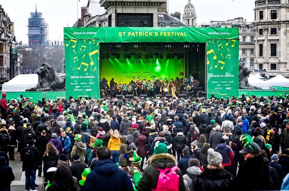 לונדון מרץ 2019 - חגיגות סנט פטריק בכיכר טרפלגר