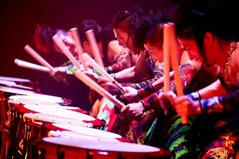 מה לעשות בלונדון בחודש מרץ - תופי ענק או דאיקו יפניים בתיאטרון פיקוק