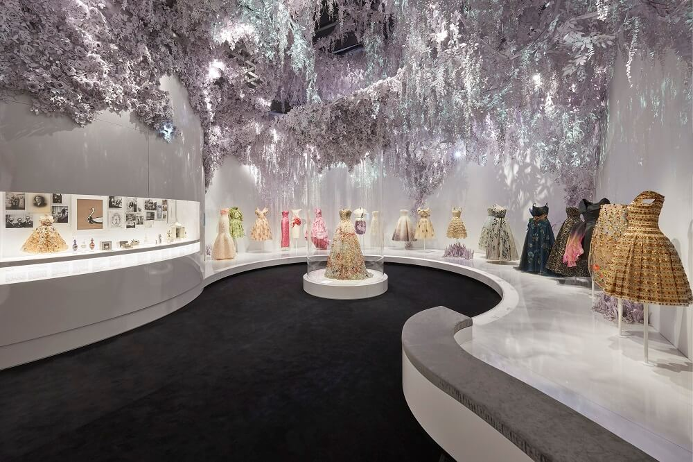 תערוכה בלונדון - כריסטיאן דיור, מוזיאון ויקטוריה ואלברט
