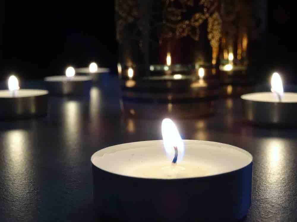 יארצייט בלונדון, יום השואה בלונדון, יום הזיכרון בלונדון