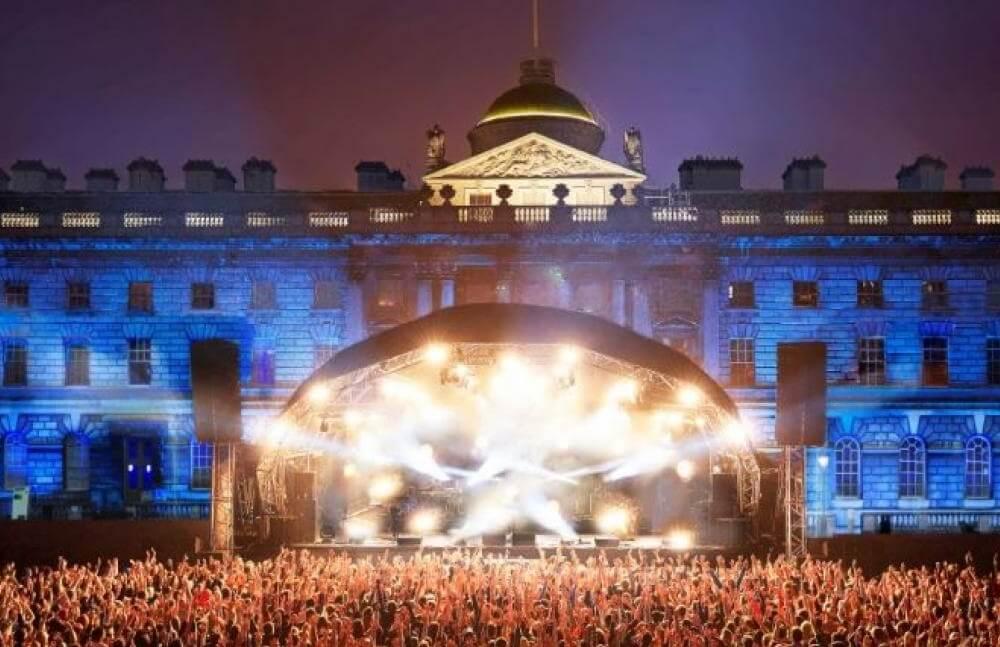 יולי בלונדון - מופעי מוזיקה בבית סומרסט