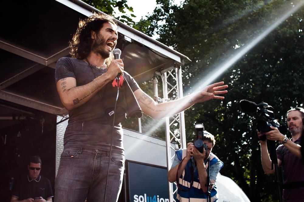ראסל בראנד בפסטיבל בלונדון - מה לעשות באוגוסט 2019