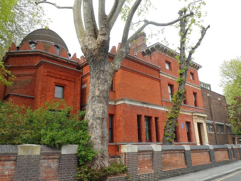 האחוזה של פרדריק לייטון בהולנד פארק, שהפכה למוזיאון, לונדון