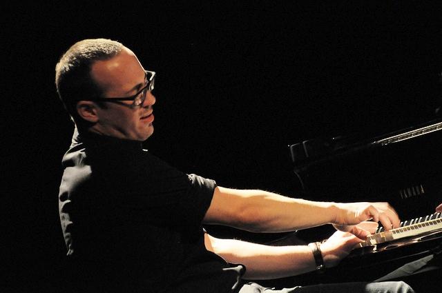 ירון הרמן - הופעה בלונדון , מועדון רוני סקוטס