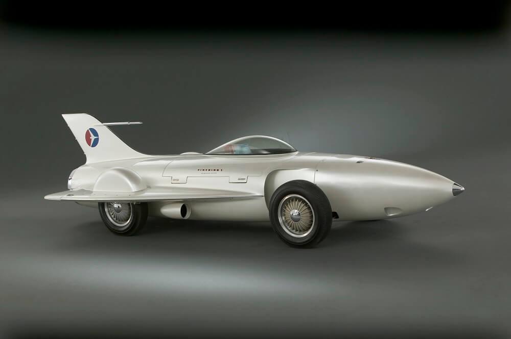 תערוכת מכוניות במוזיאון ויקטוריה ואלברט