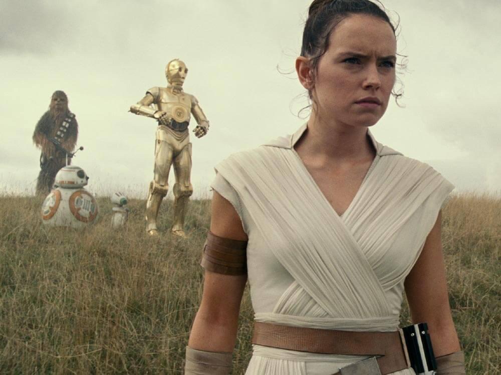דייזי רידלי בתור ריי ב״מלחמת הכוכבים: עלייתו של סקייווקר״. סרטים בלונדון