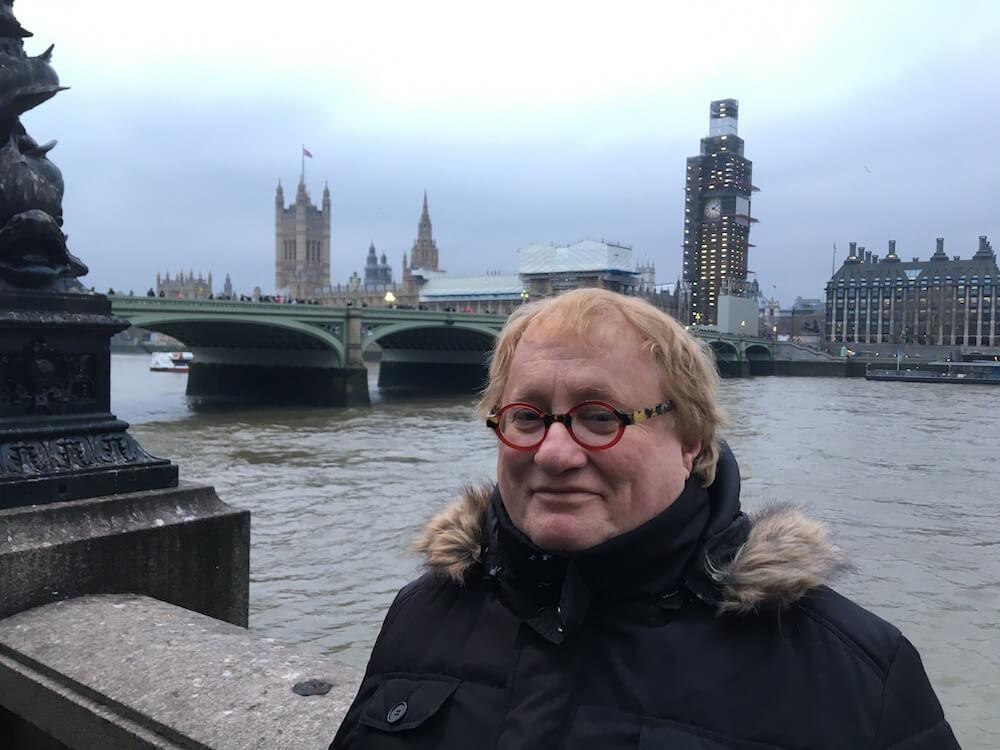 טוביה טננבום בלונדון, מחבר הספר ״איך לאלף יהודי?״