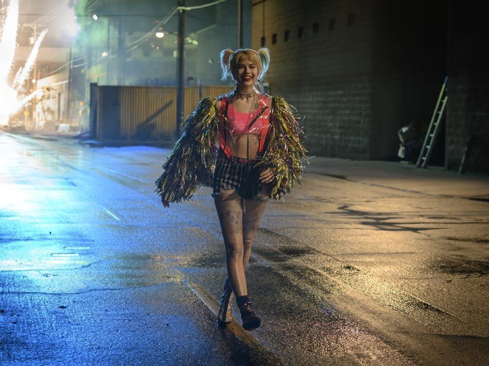 """""""הארלי קווין: ציפורי הטרף"""" - סרטים בלונדון"""