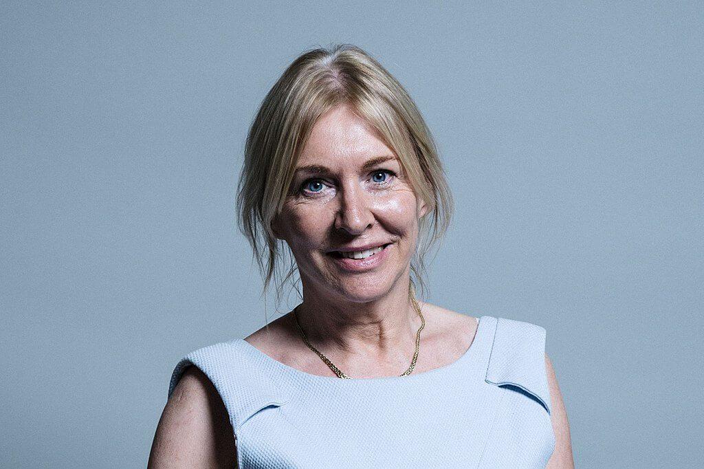 אובחנה חולה בקורונה. נאדין דוריס, סגנית משנה של שר הבריאות בבריטניה