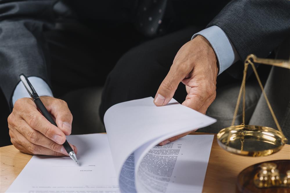 הסכם גירושין כולל, או הסכם שלום בית ולחילופין גירושין? עורך דין משפחה בענייני גירושים גירושין, בריטניה, אנגליה, לונדון