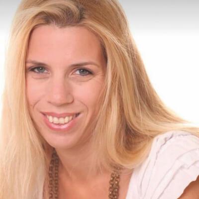 הדס גרינברג - מנחת הורים המתמחה בלווי משפחות ברילוקיישיין ומדריכה התפתחותית. היא ניהלה מערכות חינוך בישראל ביישובי גדר ורצועת עזה, ולמודת קרבות ומצבי חירום