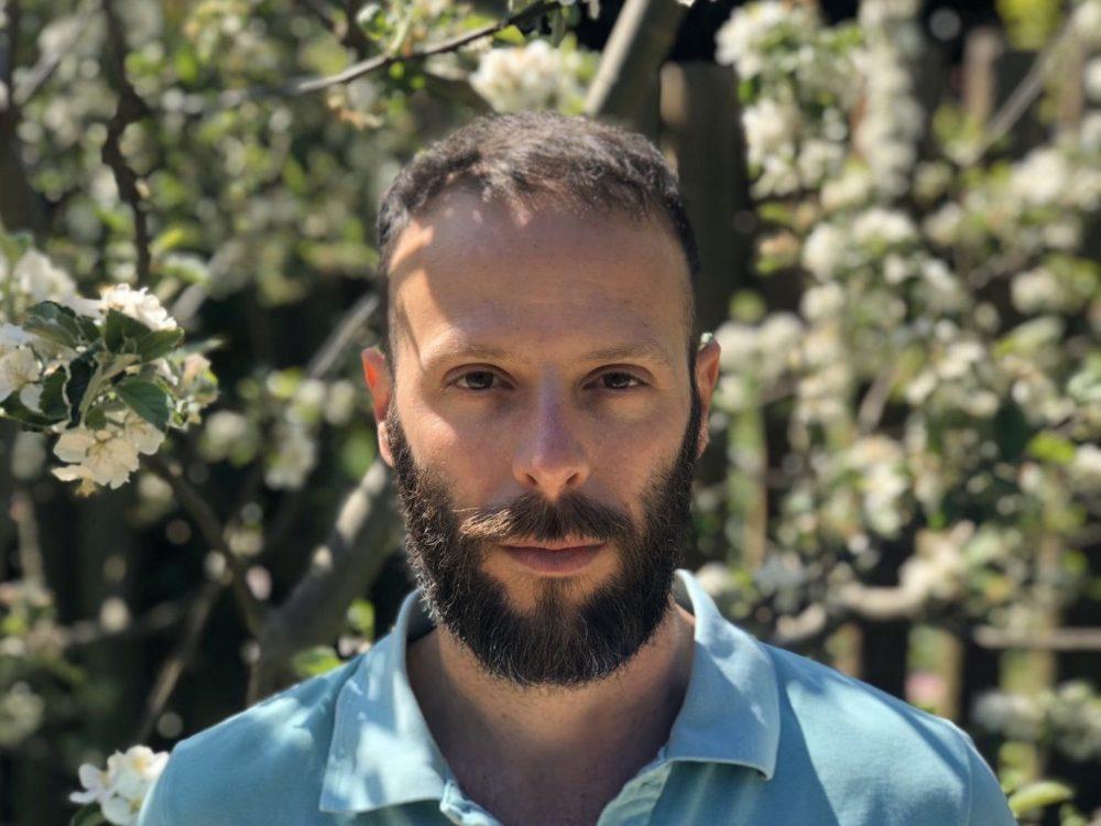 סופר ישראלי בלונדון - יונתן שגיב