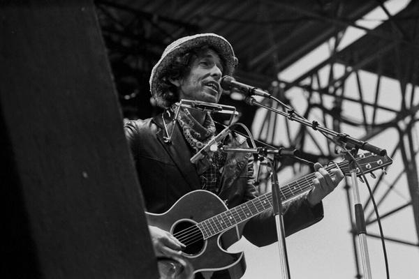 מוזיקה בבריטניה - אלבום חדש של בוב דילן