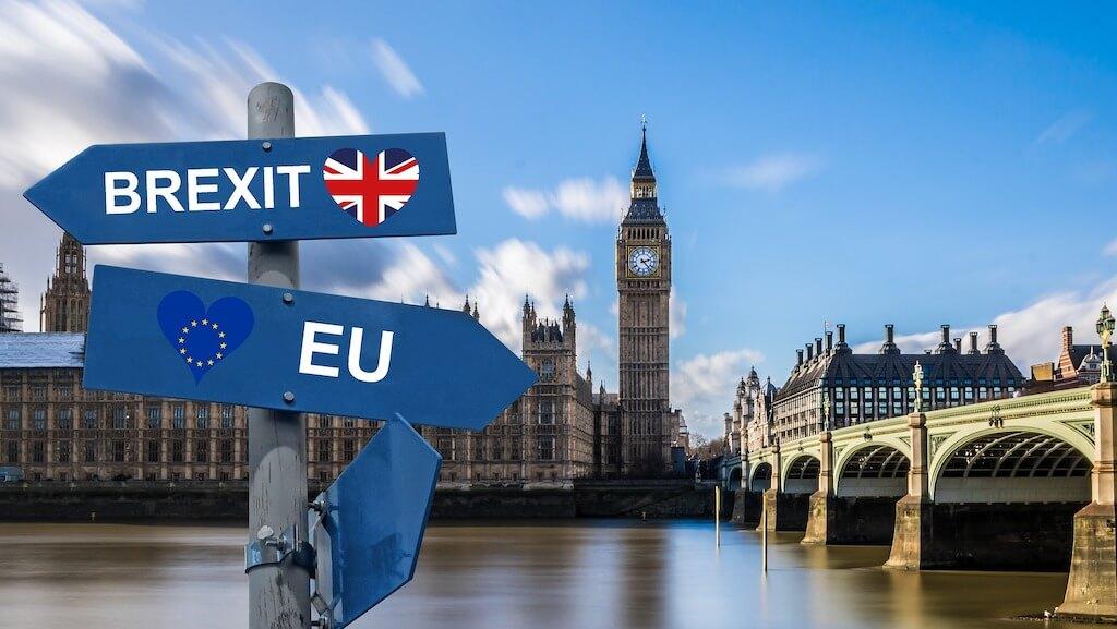 הגירה לבריטניה - טור על חוקים, מעמד תושב, דרכון אירופי