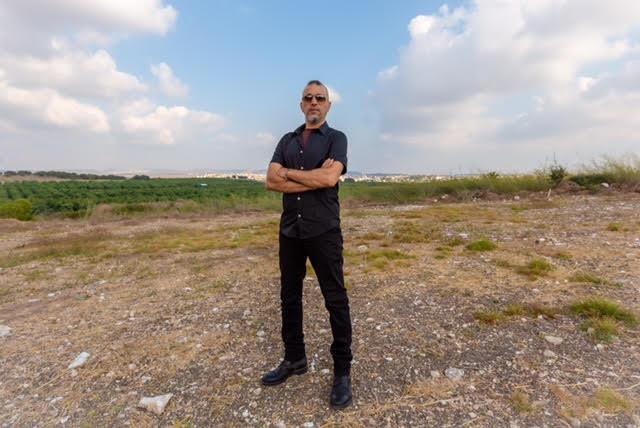 תבואות הרוח אלבום חדש של איגי דיין - ראיון לעלונדון - נראה אותו שוב בלונדון?