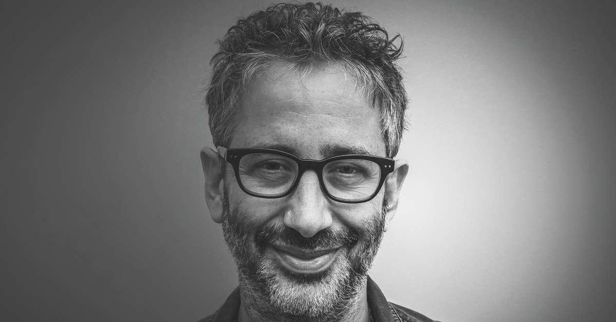 הסופר דיוויד בדיל כתב ספר חדש - ״יהודים לא נחשבים״ - על אנטישמיות בלונדון, אנגליה, בריטניה