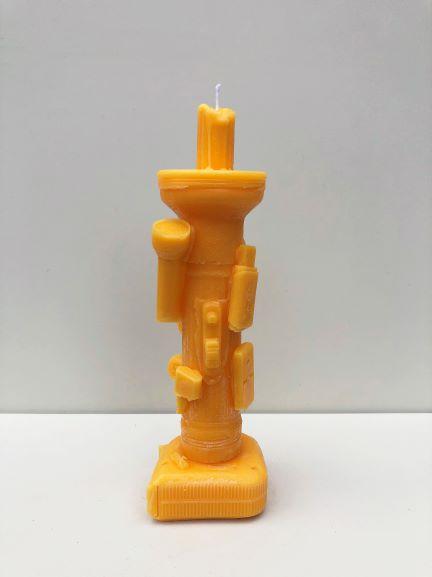 אמנות בלונדון, אנגליה, בריטניה - נר בעיצוב של האמן הישראלי יונתן ויניצקי