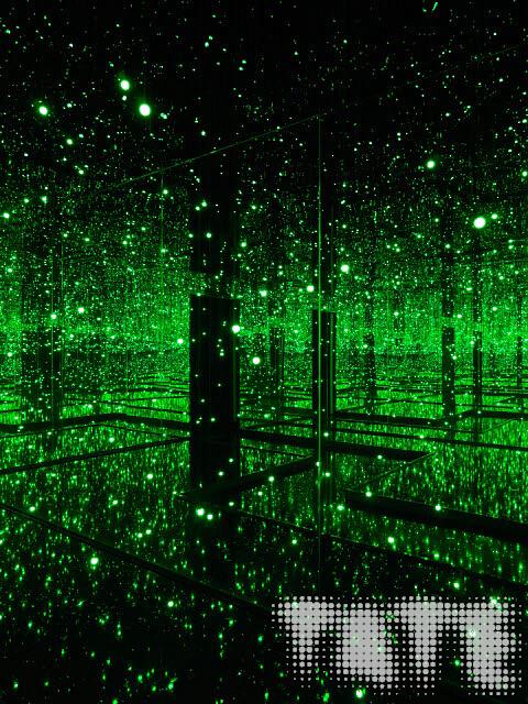 תערוכה בלונדון - חדר מראות האינסוף של האמנית יאיוי קוסמה, במוזיאון טייט מודרן