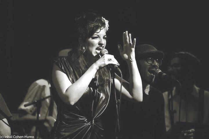 מוזיקה באנגליה מוזיקאית ישראלית בלונדון קאלי ריבלין